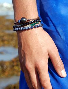 211 bracelet tahiti hand